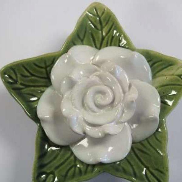memorial-rose-white095D3575-8154-F792-AA85-2F9A236D5D28.jpg