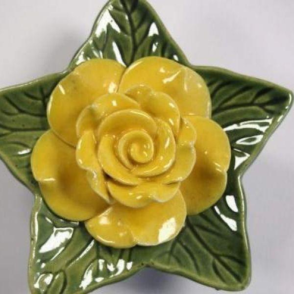 memorial-rose-yellow71F52819-DD48-92A0-DB8F-FC07D07AABC2.jpg